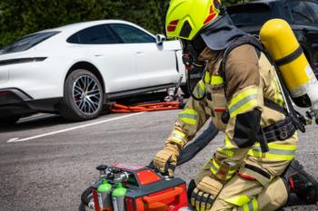 Elektroauto-Brand-Löschen