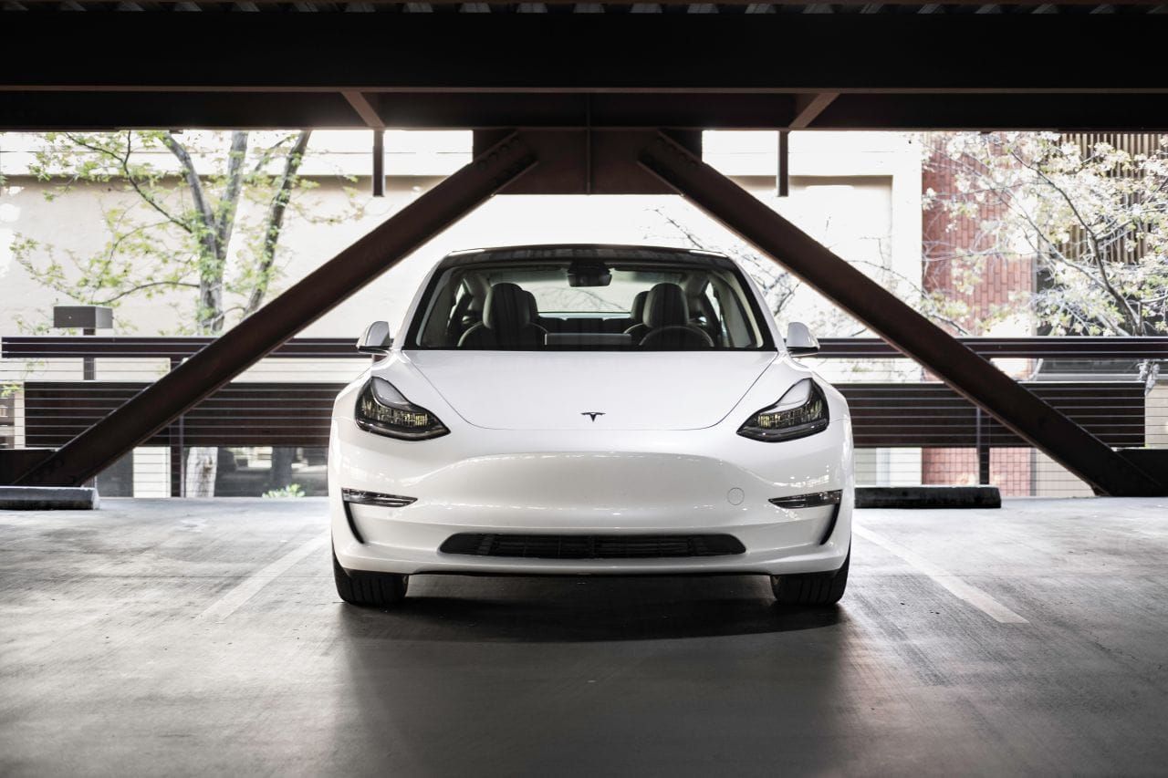 Tesla Q3: Mehr ausgelieferte Fahrzeuge, Umsatz, Gewinn