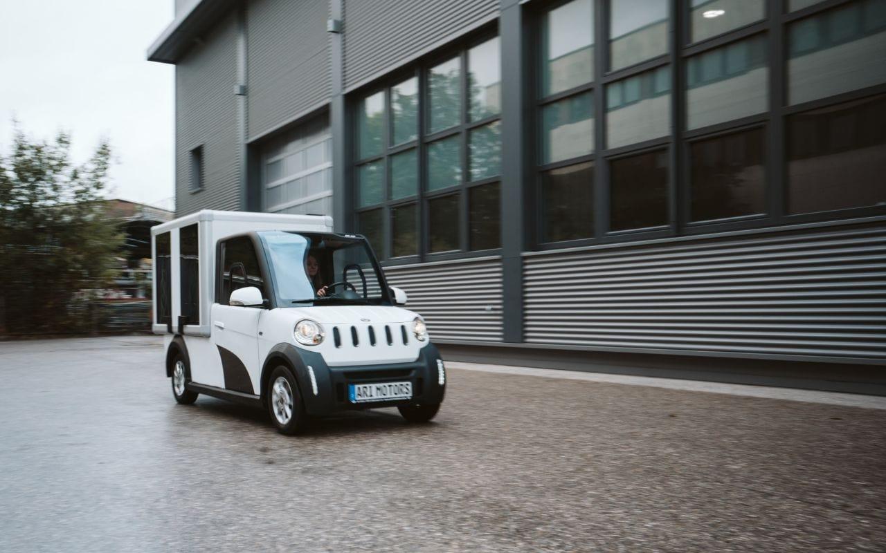ARI Motors E-Fahrzeug-Prototyp mit Solar-Integration von Sono Motors